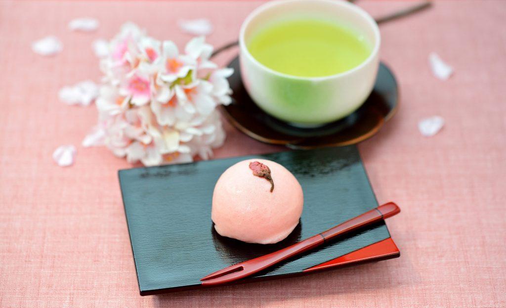 和菓子 桜 緑茶