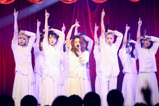 女性 アイドルグループ ダンス