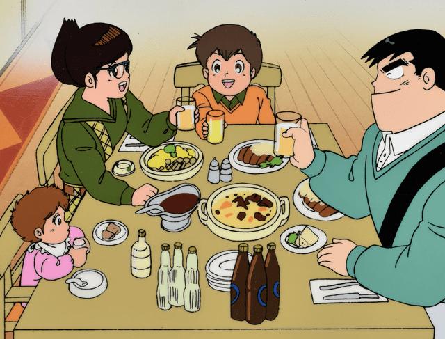 家族 晩御飯 食べる