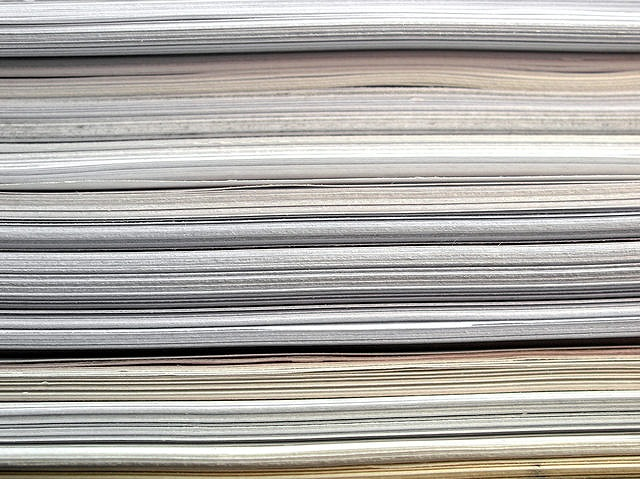 紙 積んでる 沢山