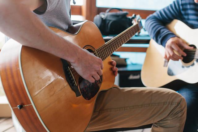 ギター 講師 生徒 レッスン